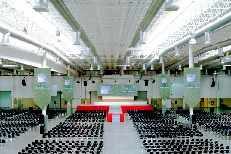 Expertos en la fabricacion de lamparas industriales led para centros de exposiciones y eventos