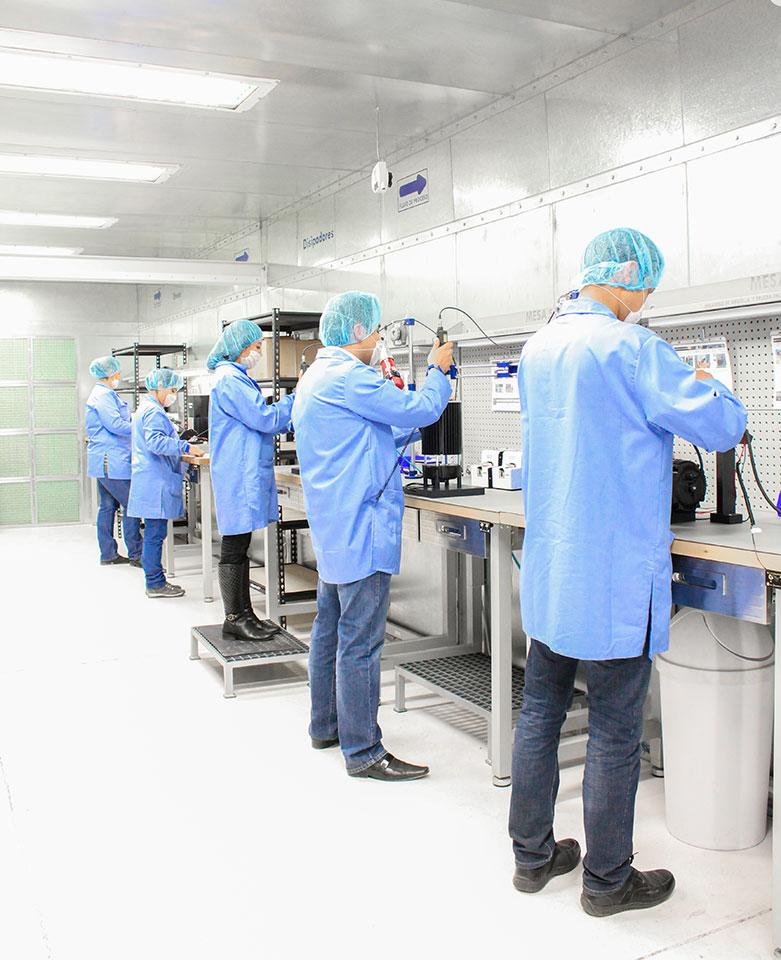 Somos fabricantes y desarrolladores de proyectos de iluminación industrial